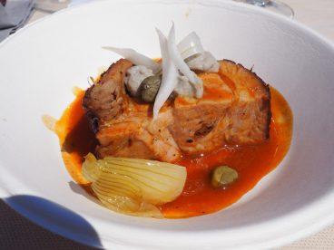 Cochon-grillé-oignon-câpres-anchois